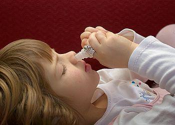 Промывание носа у детей