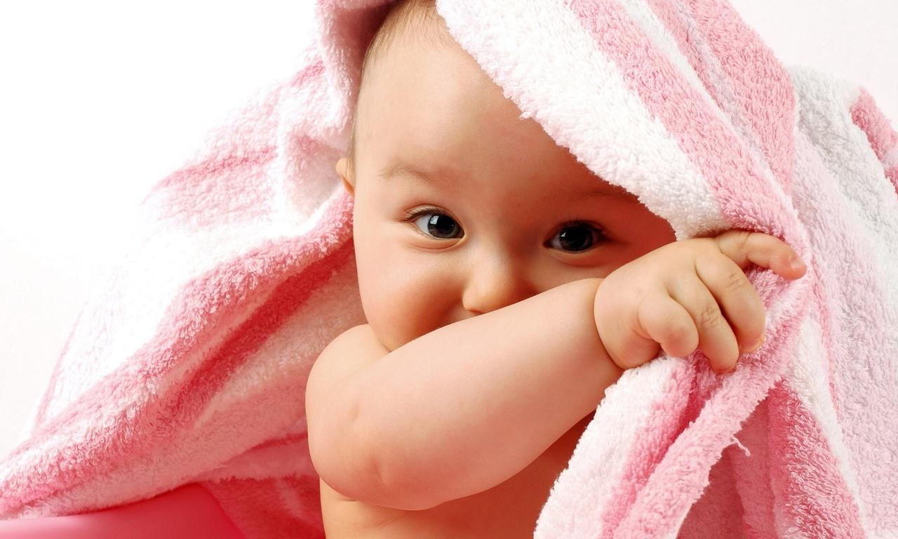 Промежность молодой малышки 1 фотография