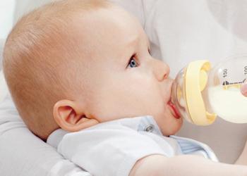 Новорожденный не срыгивает после кормления