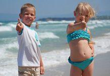 Дети на греческом курорте
