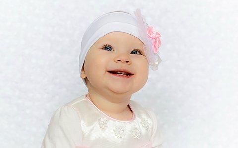 Первые зубы у младенцев