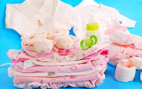 О приданом для будущего ребенка, конечно же, стоит позаботиться заранее. Многие мамы суеверны и никогда не покупают ничего до рождения крохи
