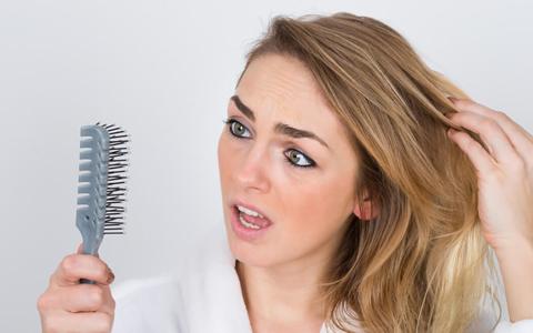 Лезут волосы при гв что делать