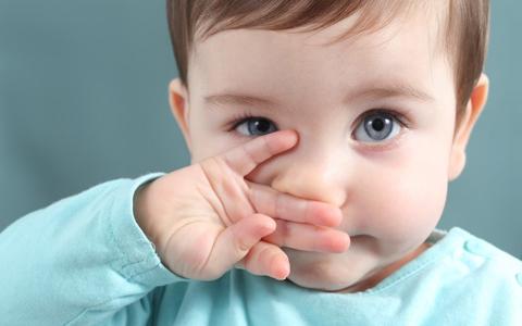 Выделения из носа у ребенка
