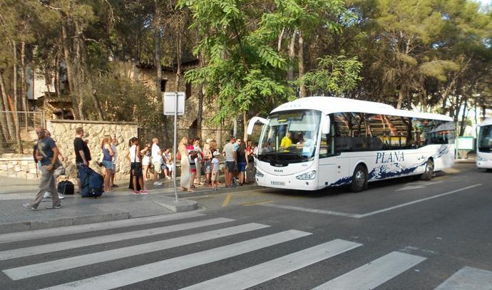аренда авто в Салоу: общественный транспорт
