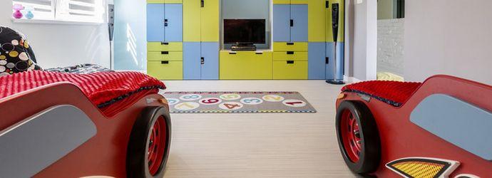 дизайн большой детской комнаты для двух мальчиков