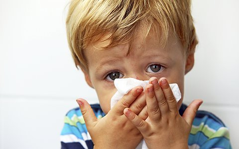 Как выбрать капли от насморка для детей от года?