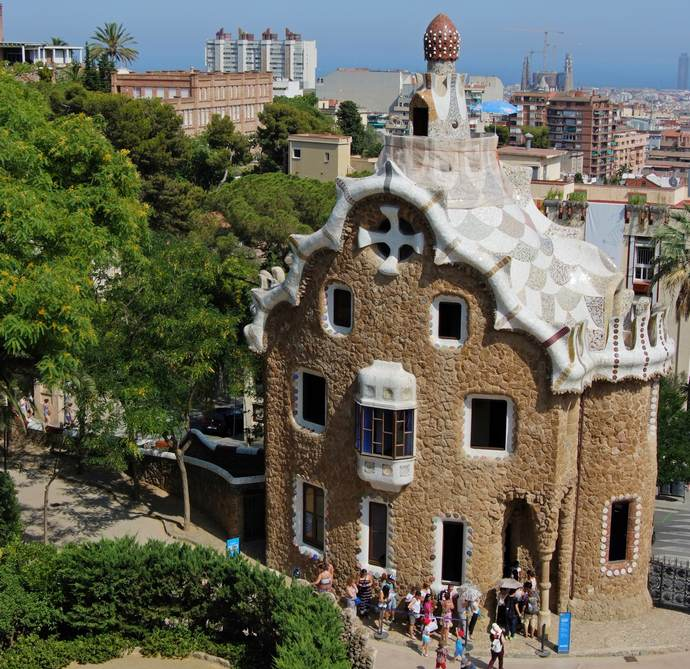 парк Гуэля в Барселоне - дом привратника
