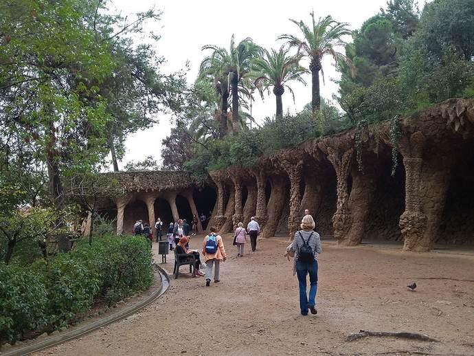парк Гуэля в Барселоне - ландшафт
