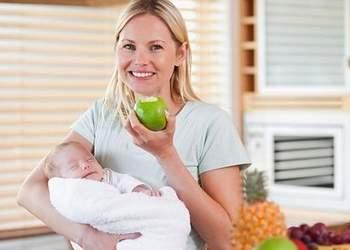 что можно кормящей маме в первый месяц