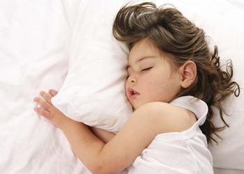 ребенок во сне скрипит зубами комаровский