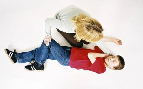 первый признак эпилепсии у ребенка