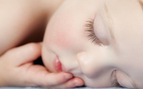 ребенок 2 года скрипит зубами во сне
