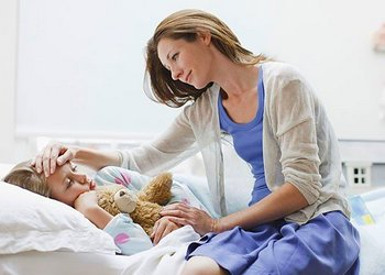 у ребенка тошнота и рвота; поноса, температуры нет
