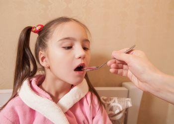 Помощь при симптомах отравления у ребенка