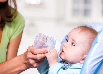 Что сделать, если запор у новорожденного